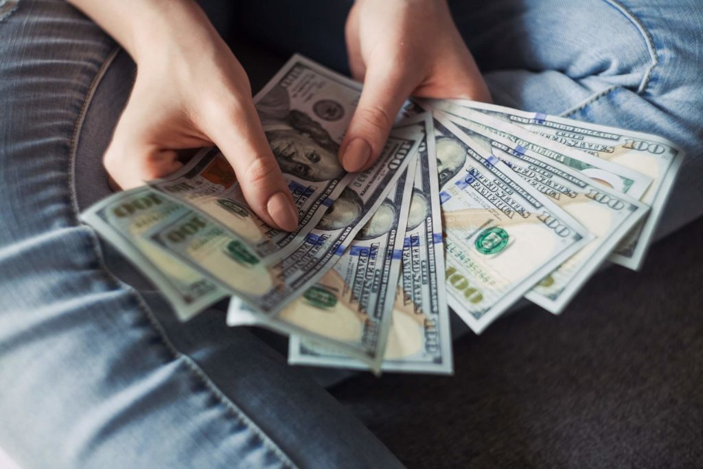 hand of cash