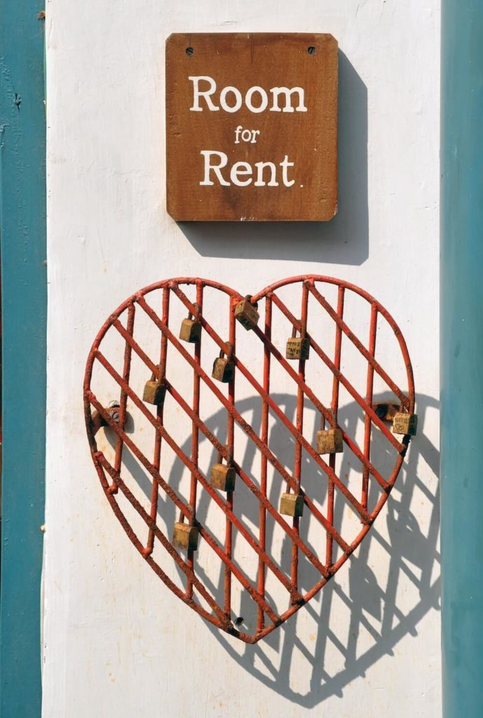 Room for rent sign with heart